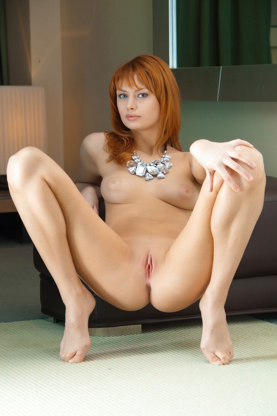 3d cartoon redhead babe taking on two hard cocks 3