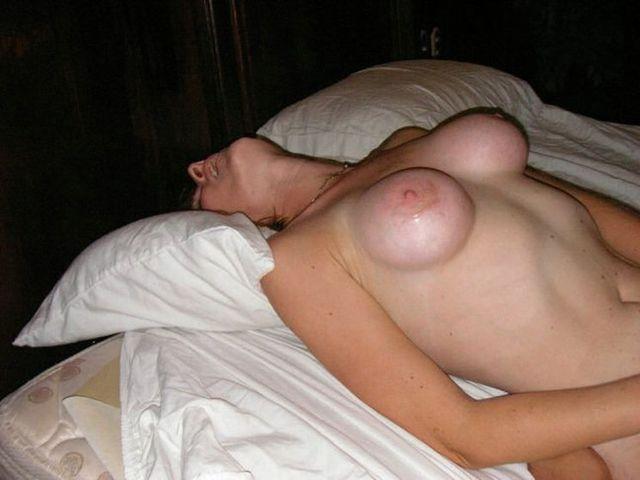 sarah wynter tits