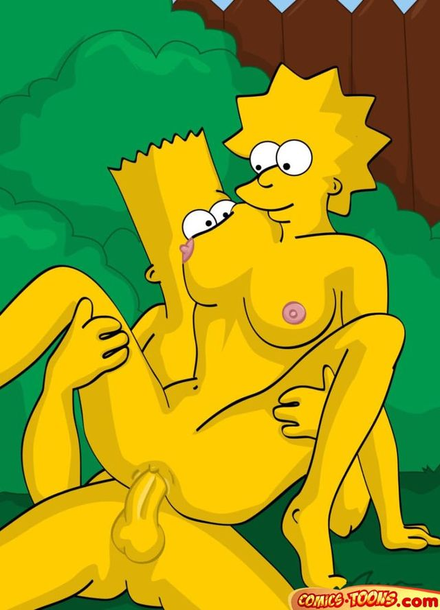 Simpsons: Marge to get boob job!