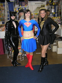 supergirl porn catsupermary chicago comic con sunday