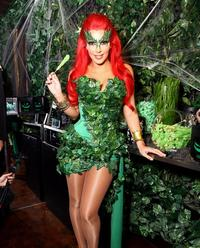 poison ivy porn comic cosplay poison ivy kim kardashian shelf porn